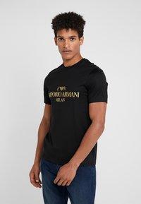 Emporio Armani - T-shirt print - black - 0
