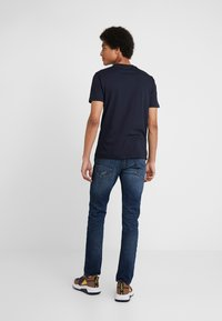 Emporio Armani - EAGLE BRAND - Camiseta estampada - blu navy - 2