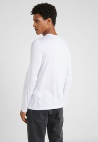 Emporio Armani - Long sleeved top - bianco ottico - 2