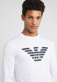 Emporio Armani - Long sleeved top - bianco ottico - 4
