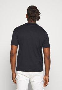 Emporio Armani - T-shirt print - navy - 2