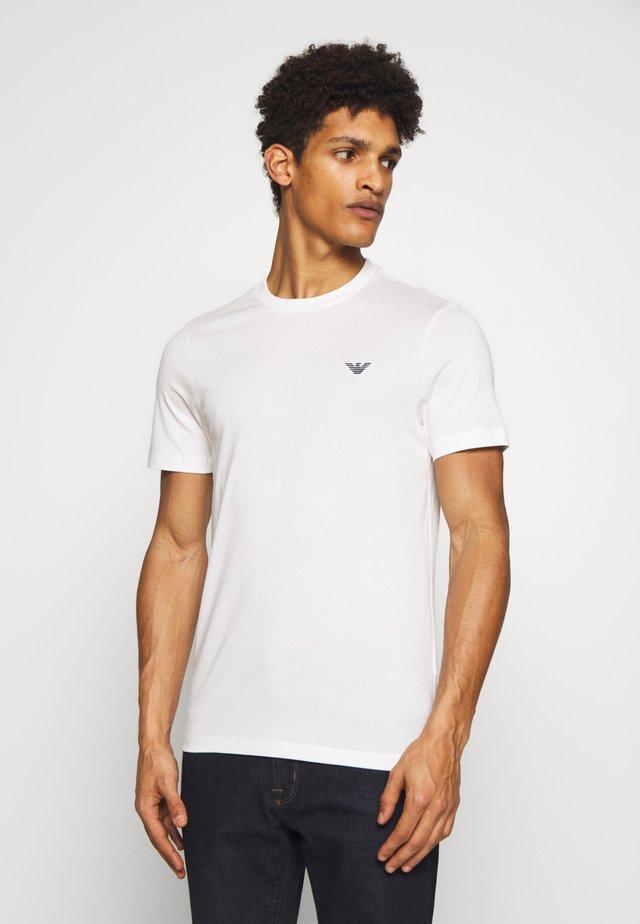 Jednoduché triko - bianco neve