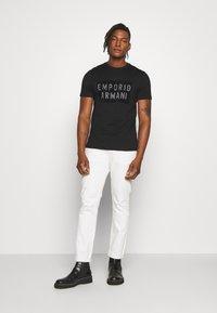 Emporio Armani - Print T-shirt - nero - 1