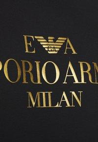 Emporio Armani - REPRODUCTION - Printtipaita - nero - 5