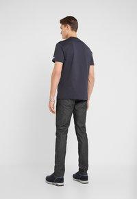 Emporio Armani - T-shirt basique - navy blue - 2