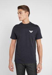 Emporio Armani - T-shirt basique - navy blue - 0