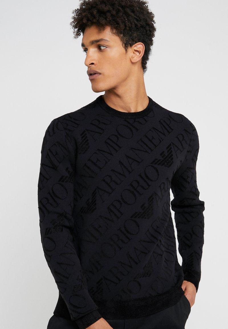 Emporio Armani - ALLOVER PRINT - Stickad tröja - nero