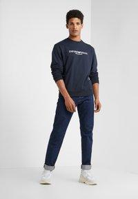 Emporio Armani - Sweatshirt - blu navy - 1