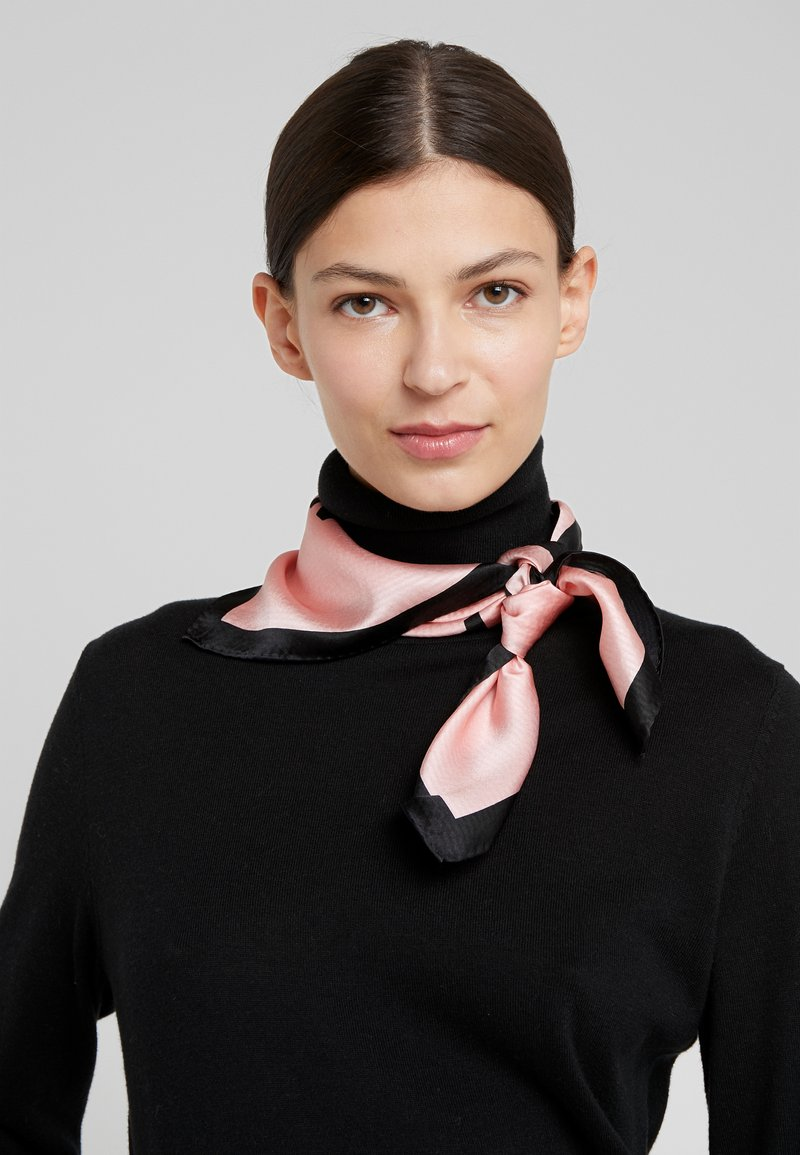 Emporio Armani - Šátek - rosa