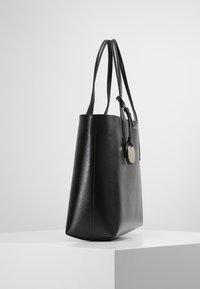 Emporio Armani - SHOPPING BAG BIG - Handbag - nero/rosso - 3
