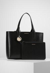 Emporio Armani - SHOPPING BAG BIG - Handbag - nero/rosso - 6