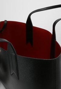 Emporio Armani - SHOPPING BAG BIG - Handbag - nero/rosso - 4