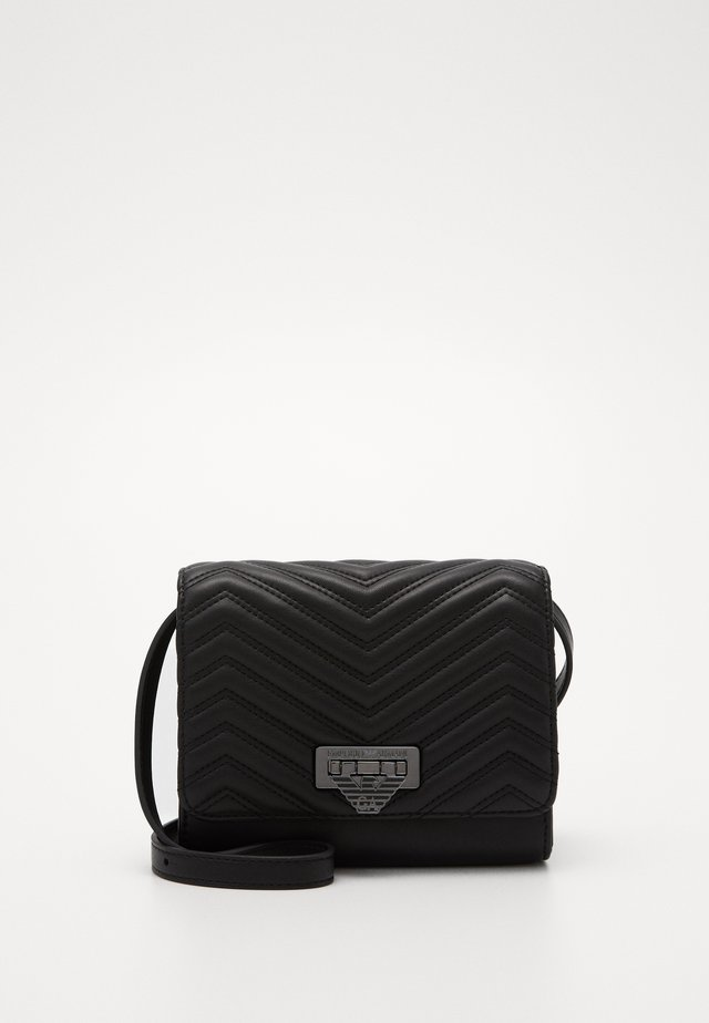 AMY CHEVRON SHOULDER BAG - Saszetka nerka - nero
