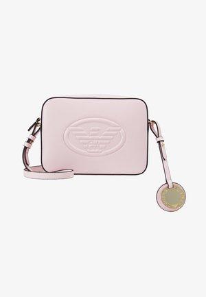 FRIDA CAMERA EMBOS EAGLE - Across body bag - rosa baby