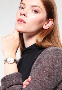 Emporio Armani - Watch - silver-coloured/rosègold-coloured - 0