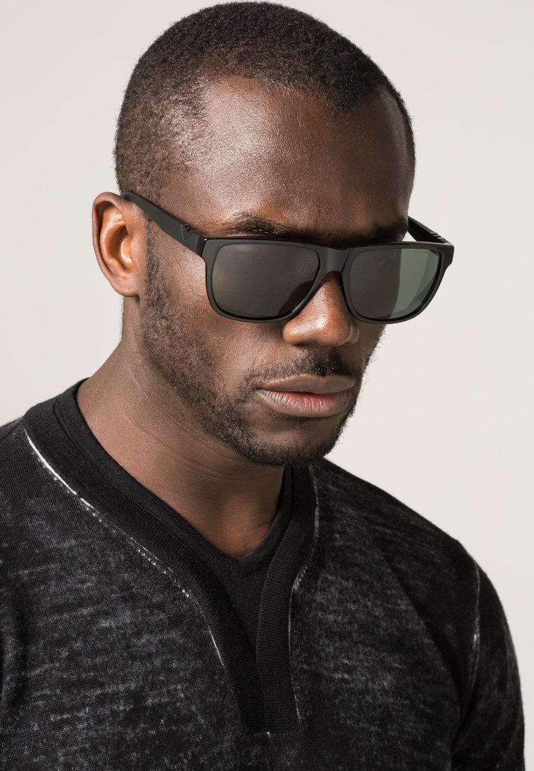 Emporio Armani - Solglasögon - black
