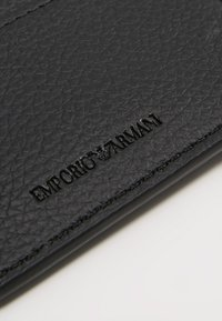 Emporio Armani - FOLD WALLET - Punge - nero - 3
