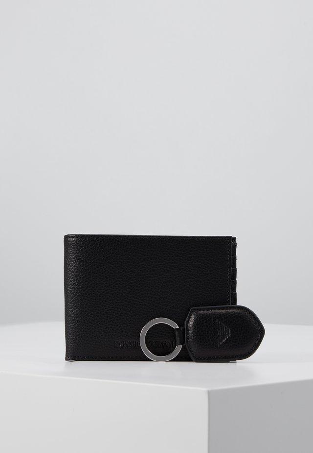 SET - Plånbok - black