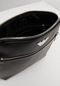 Emporio Armani - BORSA MESSENGER - Across body bag - black/black - 6