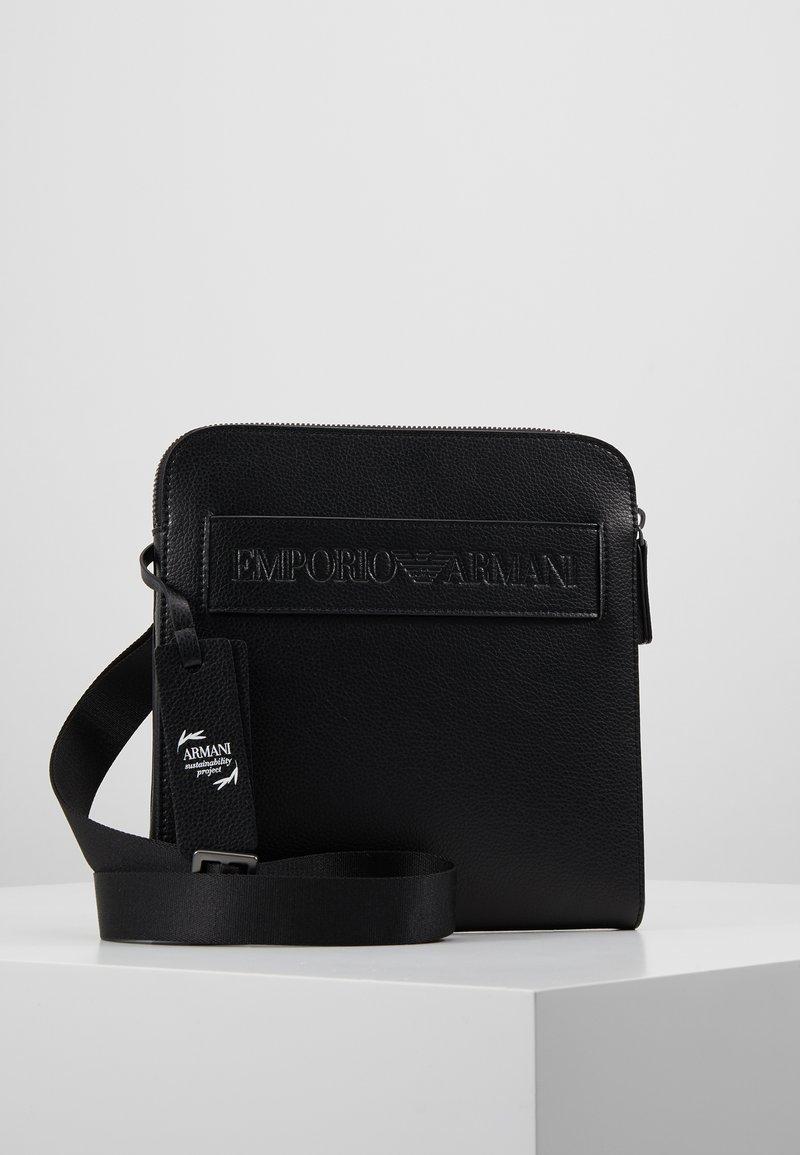 Emporio Armani - FLAT MESSENGER BAG - Borsa a tracolla - black