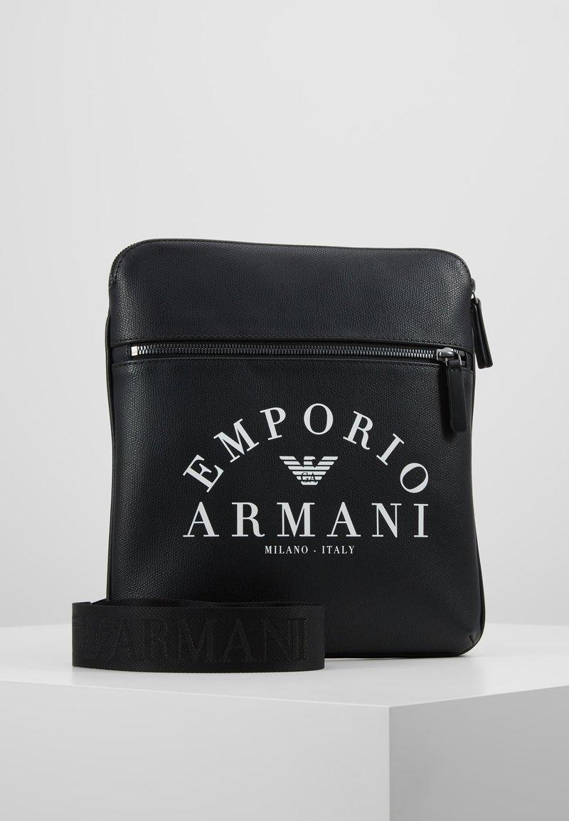 Emporio Armani - FLAT MESSENGER BAG - Schoudertas - black