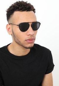 Emporio Armani - Sluneční brýle - black - 1
