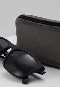 Emporio Armani - Okulary przeciwsłoneczne - matte black - 3