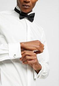 Emporio Armani - Boutons de manchette - silver-coloured - 1