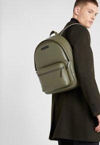 Emporio Armani - ZAINO GRANATA BACKPACK - Rygsække - military/black - 1