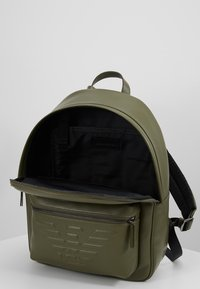 Emporio Armani - ZAINO GRANATA BACKPACK - Rygsække - military/black - 4