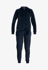 Emporio Armani - SHINY JACKET PANTS WITH CUFFS - Pijama - marine - 4