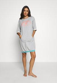 Emporio Armani - NIGHT DRESSVISIBILITY CONIC - Noční košile - light grey melange - 1