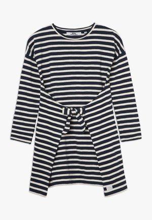 MELISSA DRESS - Žerzejové šaty - navy/sand