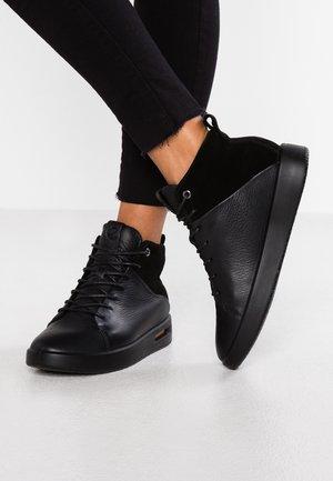 CORKSPHERE - Höga sneakers - black