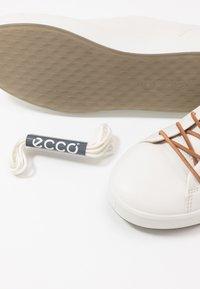 ecco - ECCO SOFT 8 W - Sneakersy niskie - white - 7