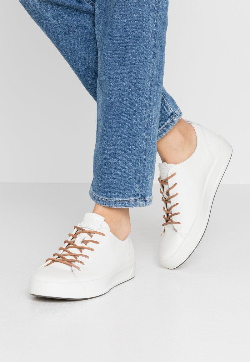 ecco - ECCO SOFT 8 W - Sneakersy niskie - white