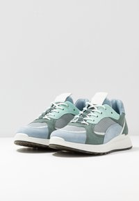 ECCO - ECCO ST.1 W - Sneakersy niskie - dusty blue/white/concrete/lake