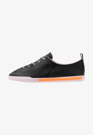 ECCO SIMPIL II W - Trainers - black