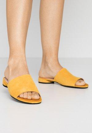 ECCO W FLAT SANDAL II - Sandaler - merigold