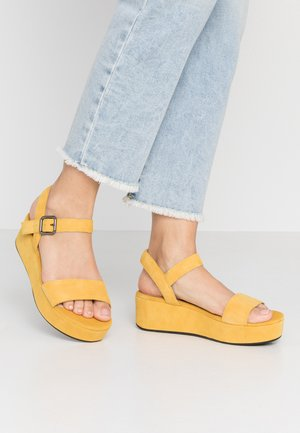 ECCO ELEVATE PLATEAU SANDAL - Platform sandals - merigold