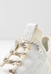 ecco - ECCO ST.1 LITE W - Sneakersy niskie - white - 2