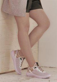 ecco - ECCO ST.1 LITE W - Sneakersy niskie - multicolor/blossom rose - 4