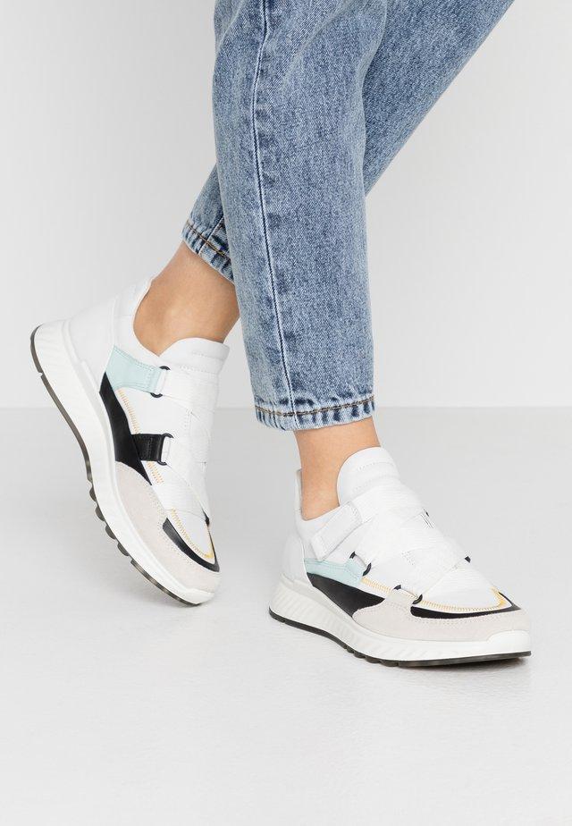 ECCO ST.1 W - Sneakers laag - shadow white/black/white/eggshell blue