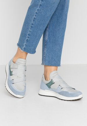 ECCO ST.1 W - Matalavartiset tennarit - dusty blue/concrete/lake