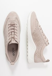 ecco - ECCO FLEXURE RUNNER W - Sneakersy niskie - grey rose - 3