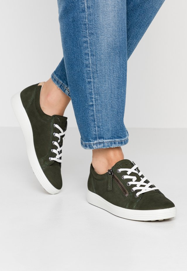 SOFT  - Sneaker low - deep forest
