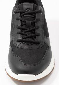 ecco - Zapatillas - black - 2