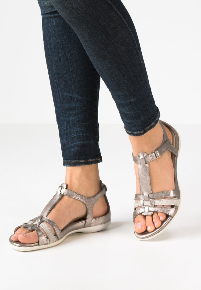 ECCO FLASH - Sandals - warm grey metallic/moon rock