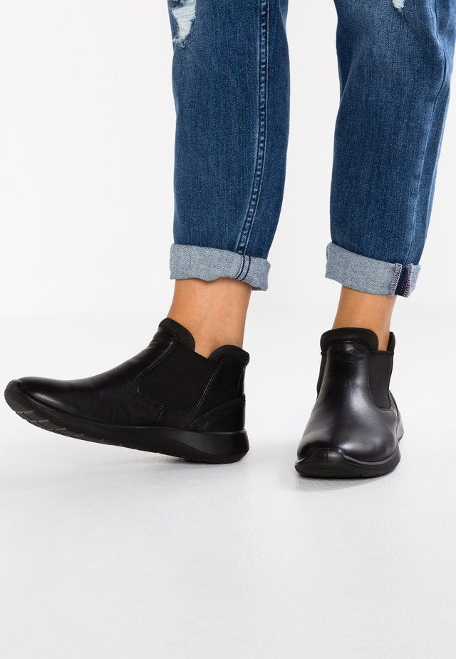 SOFT 5 - Ankle Boot - black