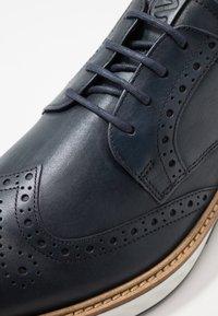 ecco - ST.1 HYBRID - Volnočasové šněrovací boty - denim blue - 5